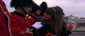 Mc Vitie's (United Biscuits France) - biscuits Mc Vitie's - février 2011 - Striptease de gardes royaux à Concorde