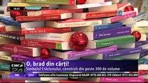 O, brad din cărţi! Simbolul Crăciunului, construit din peste 300 de volume, la Biblioteca Colorată din Constanţa. Opera a fost realizată de voluntarii de la Cercetaşii României