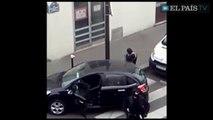 Charlie Hebdo : nouvelle vidéo de la fuite des frères Kouachi après l'attentat