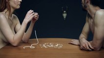 TBWA Paris pour AIDES - association de lutte contre le Sida, «No sex, Pas de préservatif, pas de sexe» - octobre 2014 - perles