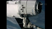 [ISS] SpaceX Dragon CRS-5 Captured by Arm on Space Station