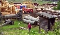 Construction rondins de bois - RMC découverte - Les constructeurs de l'extrême