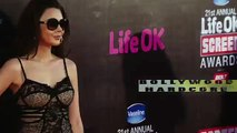 HOT Model EXPOSING Her ASSETS at Life Ok Screen Awards 2015 Red Carpet Full HD