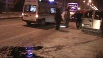 Adıyaman - Ambulans ile Çarpışan Hafif Ticari Araç Sürücüsü Yaralandı