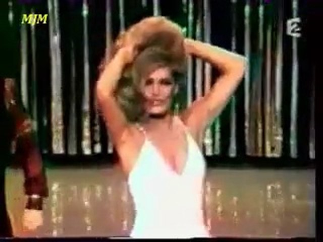Mourir sur scène --- Dalida --- ( LIVE )