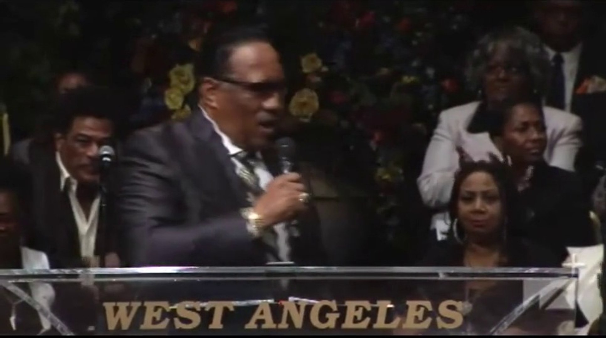 Dr. Bobby Jones at Pastor Andrae Crouch Home-Going - Celebration of Life Concert Funeral - 01-21-201