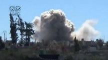 Les explosions dévastatrices des bombes barils filmées par les Syriens