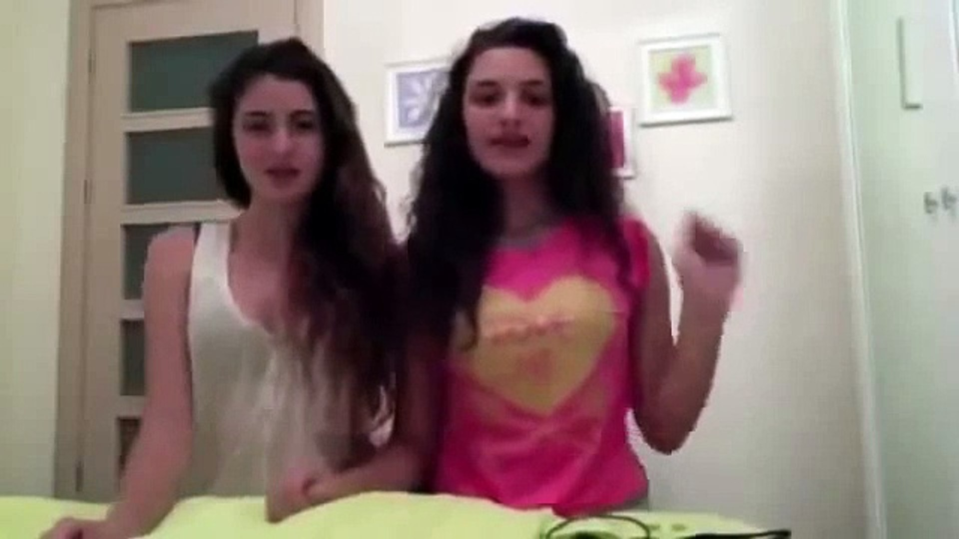 Kızları çıplak türk Pizzacıyı Çırılçıplak