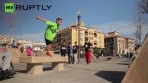 Este niño de 12 años practica parkour con una pierna amputada
