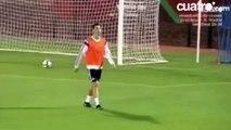 footbal skills - Isco shows off his silky skills with heel keepy uppies in Real Madrid training