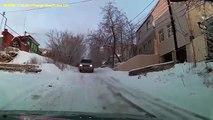 Les pneus neige c'est pour les autres, voyez comment on fait en Russie !