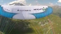 Du parapente acrobatique dans les Alpes