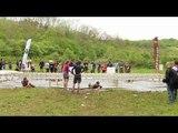 Adrénaline Shots : passage de l'obstacle de The Mud Day Paris du 8 mai 2014 de 11h45 à 11h59