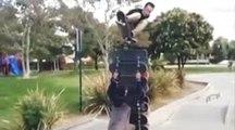 Ce skateur saute au-dessus de 15 planches de skate