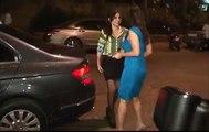 Sophie Chaudhary Caught Adjusting panty line سوفی چوہدری panty میں لکیر کو ایڈجسٹ پھنسے