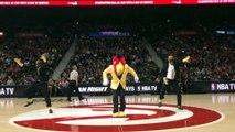 Danse de mascotte de dingue : Harry The Hawk danse sur Uptown Funk