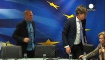 Furcsa kézfogástól hangos a görög és az európai sajtó