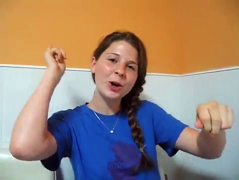 American Girl Singing Bengali Song!