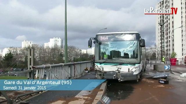 Spectaculaire accident de bus RATP à Argenteuil