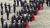 Hommage aux Invalides aux militaires tués en Espagne