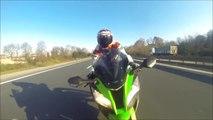 Ne jamais trop coller son pote quand on est en moto