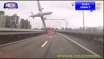 TransAsia Plane Crashes in Taipei - Caught on Tape