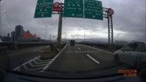 Crash d'un avion de la compagnie TransAsia pres d'une autoroute à TAIWAN