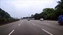 Une course sur autoroute entre une Ferrari et une Nissan GT-R se termine mal