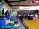 Les écoliers de Lusignan chantent de l'opéra
