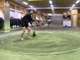 A Tokyo, des Japonaises prennent d'assaut le sumo, sport très masculin