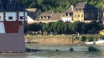 Züge und Schiffe bei Kaub am Rhein, DBAG 185, HGK-MEV 185, Railion 152, Railion 185