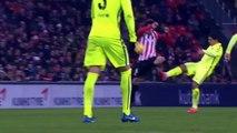 Terrible faute de Etxeita sur Luis Suarez - carton rouge Athletic Bilbao v FC Barcelone