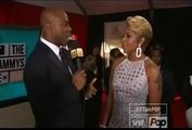 Kevin Frazier talks to Mary J. Blige on Grammys red Carpet