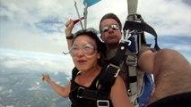 2 parachutistes frôles et presque tués par leur avion :  chanceux!