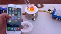 Veja teste de resistência do iPhone com metal derretido