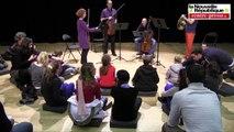VIDEO.Poitiers. De jeunes déficients visuels ont assisté à un concert tactile au TAP