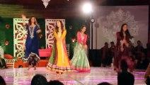 ERUM UMAR MEHNDI - Community Dance