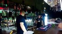 Un bar en Russie sert drôlement ses clients!