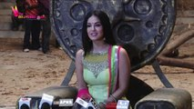 Sunny Leone To ROMANCE Sunil Grover On VALENTINE'S DAY