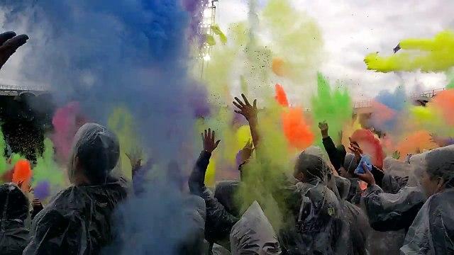 Bataille de poudre colorée lors de Bordeaux - Sainté