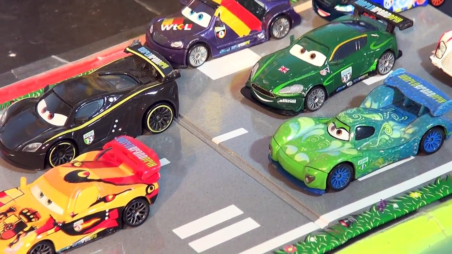 Disney Pixar Cars 2 World Grand Prix Race Screaming Banshee Saves The Day With Lightning Mcqueen Video Dailymotion