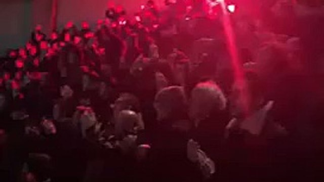 Chelsea Fans Sing -We Shall Not Be Moved- With Flares! - PSG Vs Chelsea - Champions League