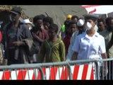 Salerno - Sbarcati 320 profughi, tra cui 19 bambini -2- (17.02.15)