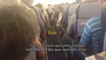 Le personnel de bord de cette compagnie aérienne donne les instructions avec humour