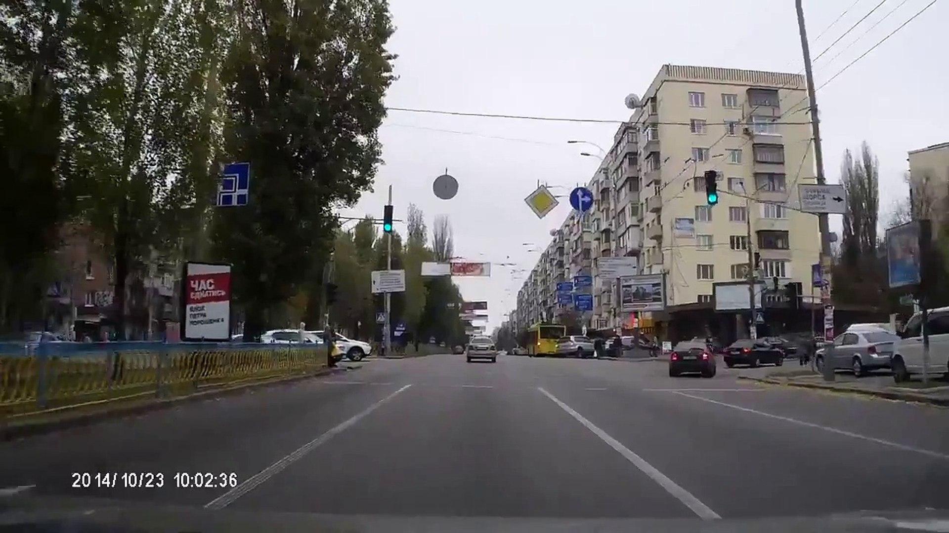 Киев  авария на Леси Украинки, 23 10 2014
