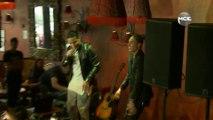 """Les Anges 7: Jon chante """"All in motion"""" avec Eddy et Vivian sur scène !"""