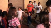 bébé danse La danse des canards