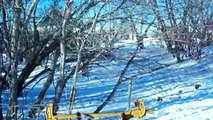 How to fix a barbed wire fence