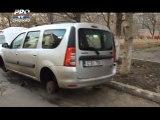Nu i-a venit sa creada cand si-a vazut masina in curte. Ce i s-a intamplat unui sofer din capitala. VIDEO