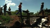 Afrique du sud : des brouettes de charbon en attendant l'électricité